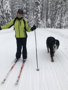 Take your friend along for an adventure down the Dog Trail at Big White Ski Resort.