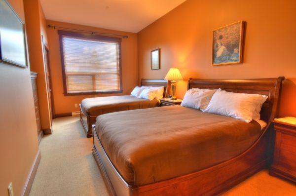Stonebridge Lodge - 2 bedroom plus loft condo - BR2 with 2 queen beds