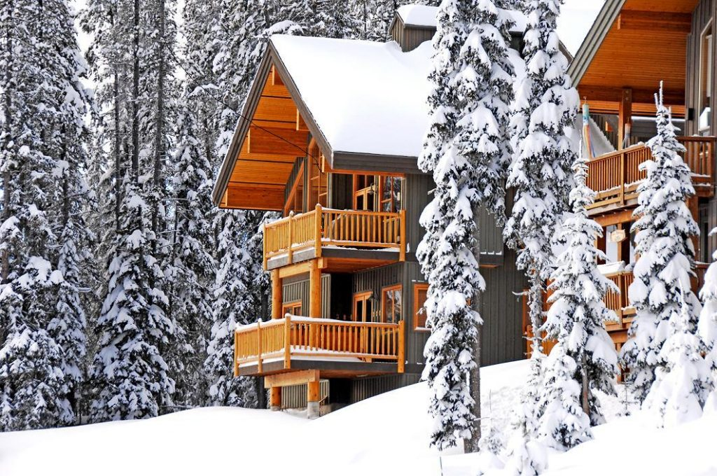 Chalets and cabins at Big White Ski Resort