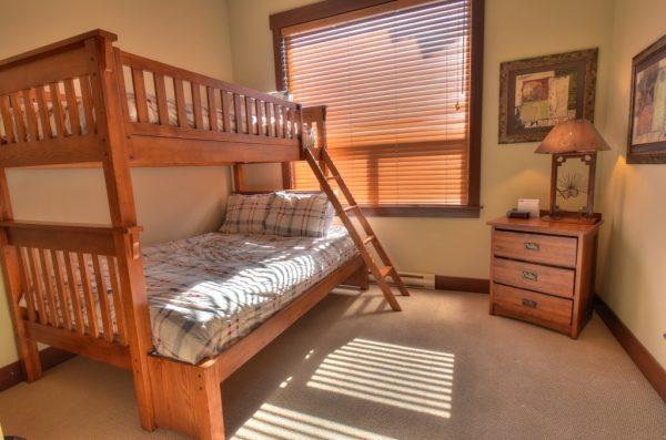 Stonegate Resort - Bunk Beds -3 Bedroom condo